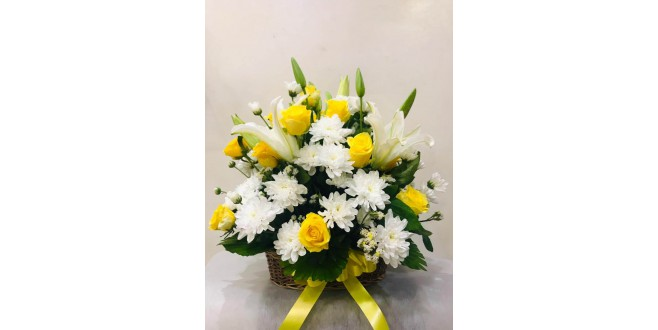 Say Hello! 30 Yellow Roses with Chrysanthemums and Basket