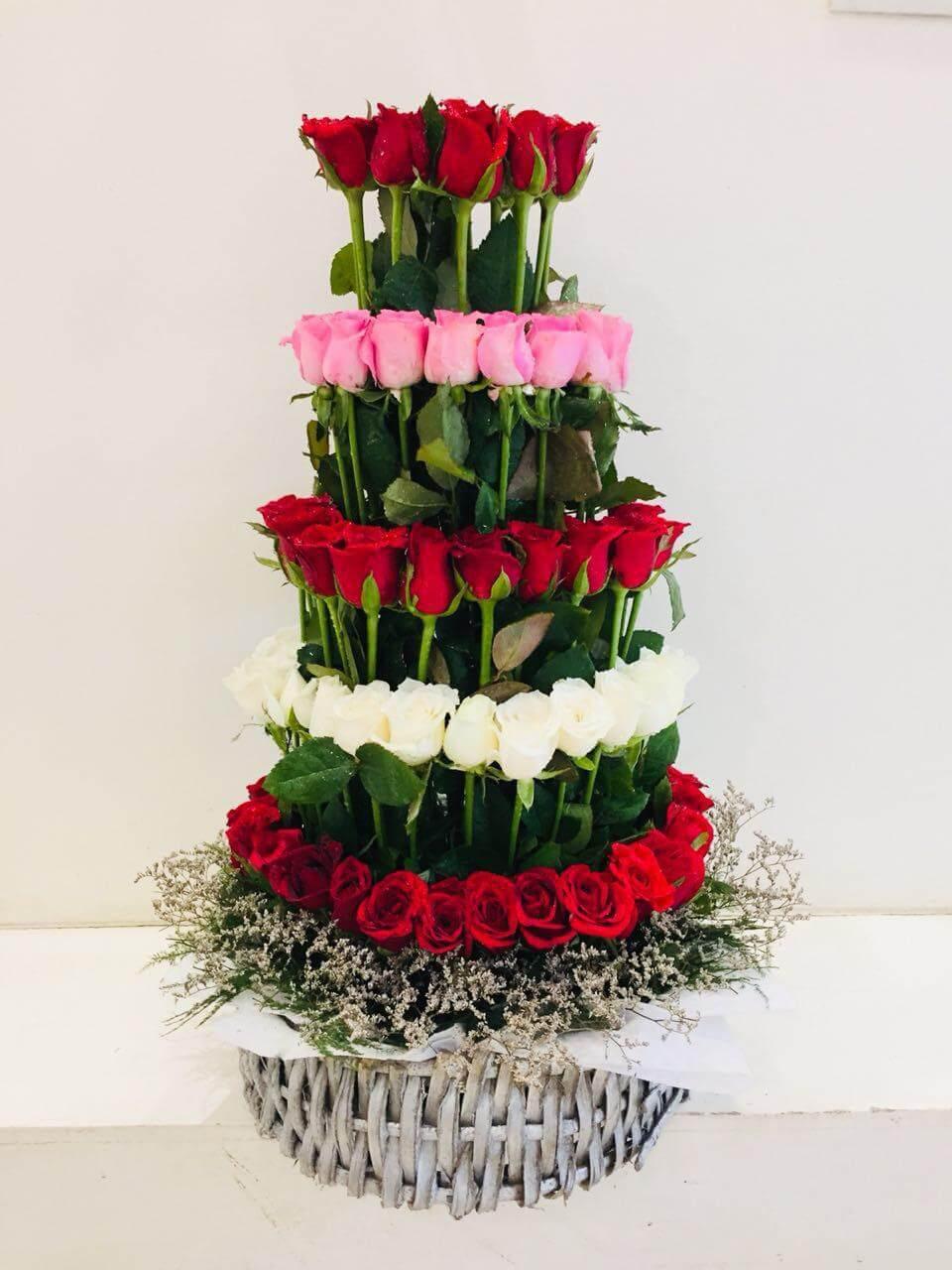 Royal Arrangement - 80 Roses