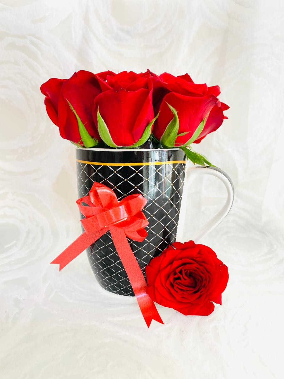 Coffe Mug with Red Roses