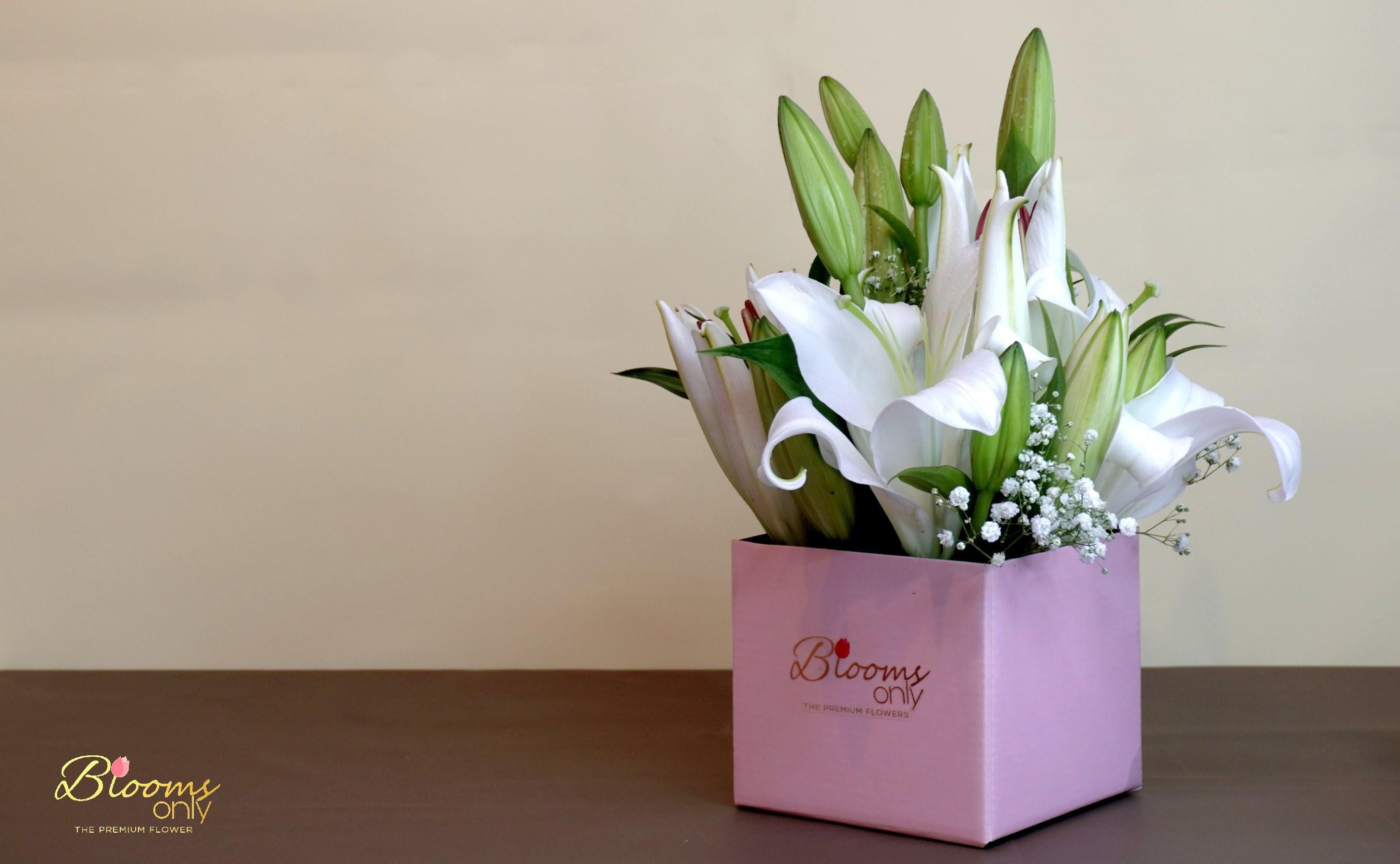 Lilies Box Bouquet