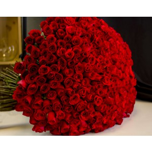 Special Valentine's 300 Red Roses Bouquet