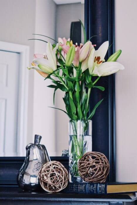 entryway floral decor